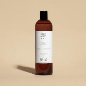 hajusteeton astianpesuaine ruskeassa tyylikkäässä kierrätysmuovipullossa valkoisella etiketillä