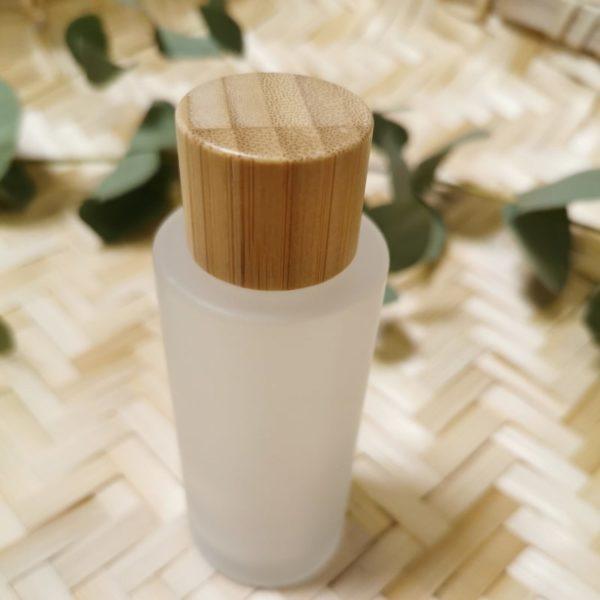 vartaloöljy lasipullo bambukorkilla